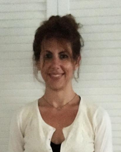 A photograph of Assistant Professor Elizabeth Murnane